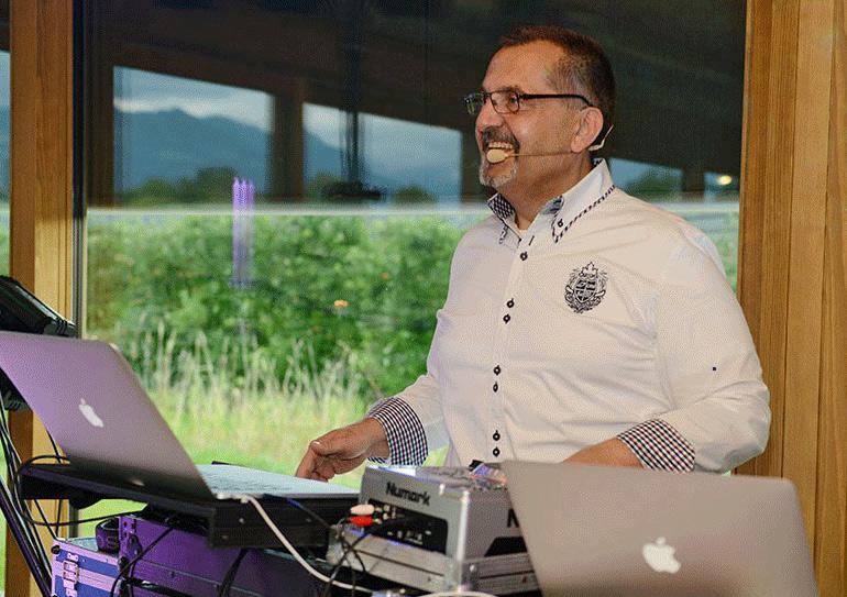 DJ ChrisJukebox bei der Arbeit